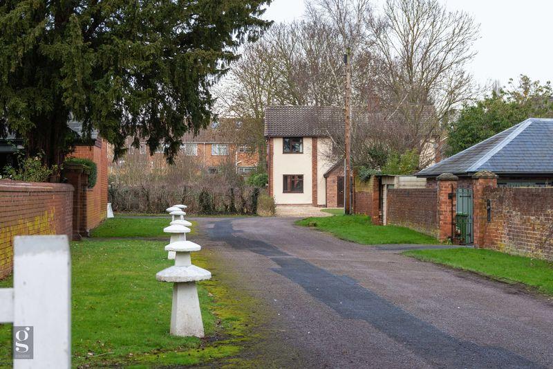 Holbrook Close, Hampton Park