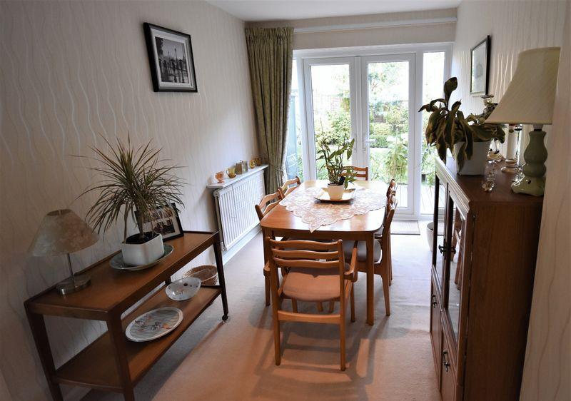 White Cottage Close