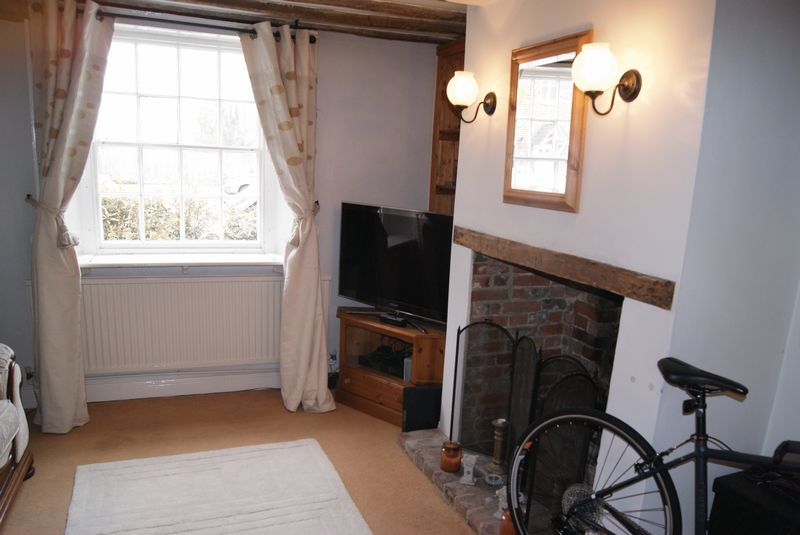 High street bentley farnham warren powell richards for Living room 528 powell street
