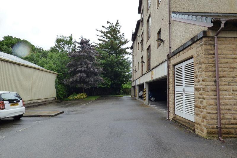 Ashwood Court, Bridge Road