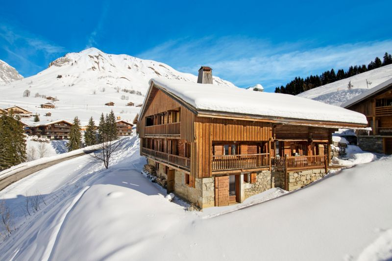 Le Grand Bornand - 7 Bedroom Ski-in Ski-out Chalet