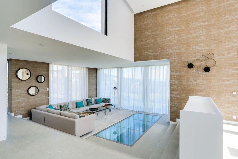 St Tropez - New Stunning Villa