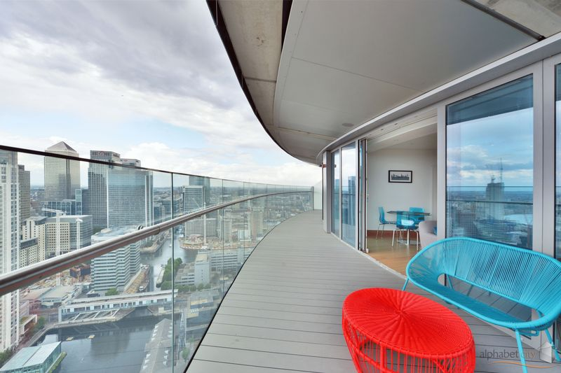 25 Crossharbour Plaza
