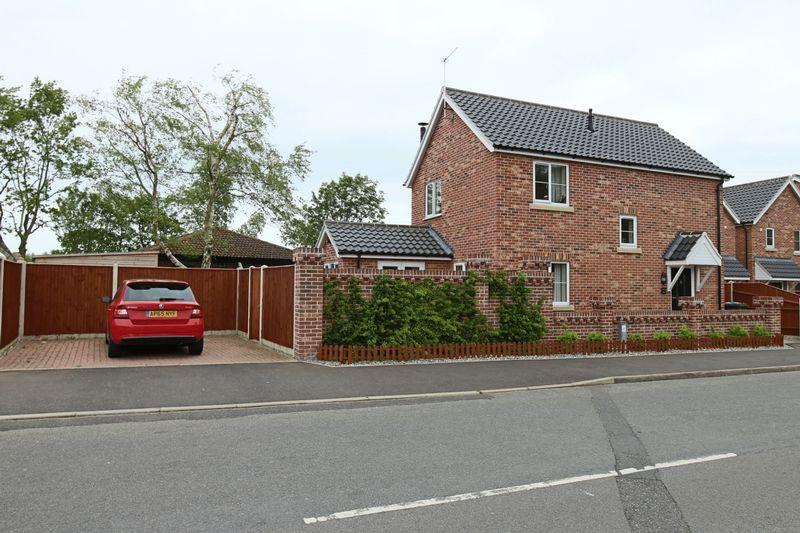Lowestoft Road Hopton