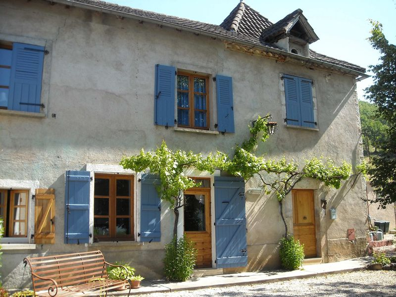 Rue Lacaunhe Ref 10109