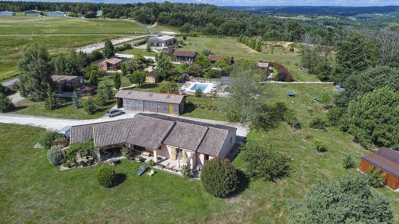 Domaine de la Bessede Ref: 10308