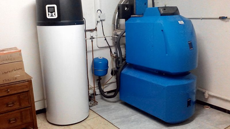 Buderus oil boiler and thermopump water heater