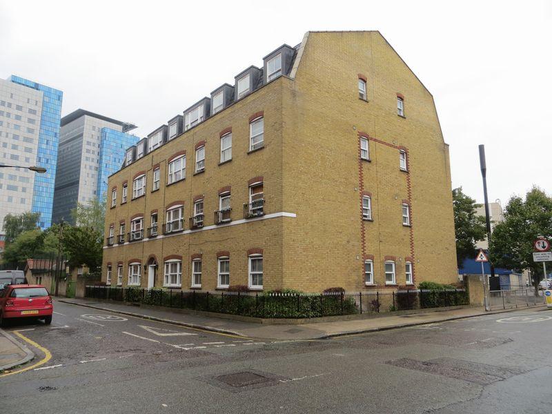 Churchill Place, Newark Street