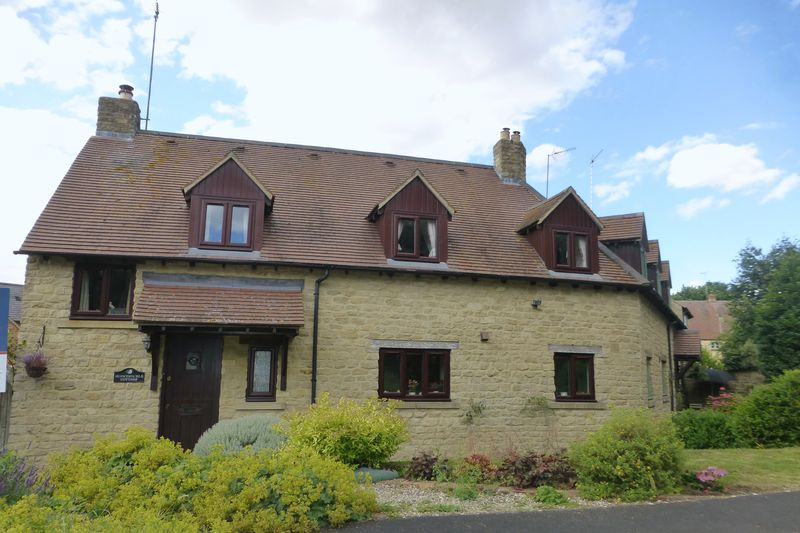 3 Bedrooms Property for sale in Fritwell Road, Somerton