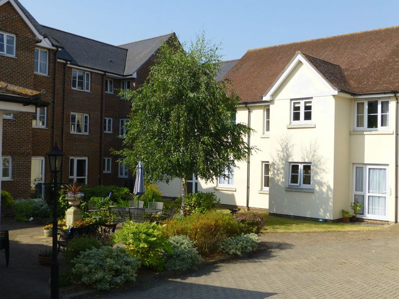 1 Bedroom Property for sale in Saxon Court, Wessex Way, Bicester