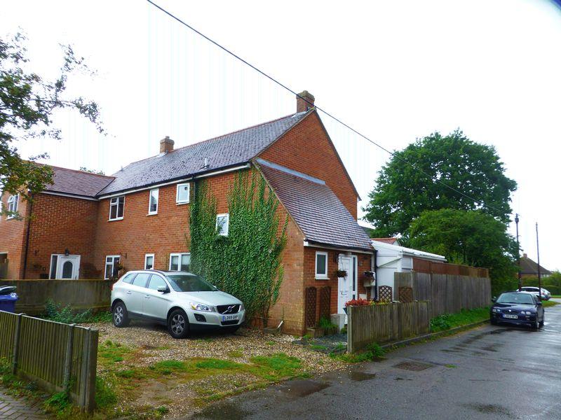 3 Bedrooms Property for sale in Green Lane, Upper Arncott