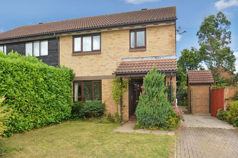 3 Bedrooms Property for sale in Wilson Way, Caversfield