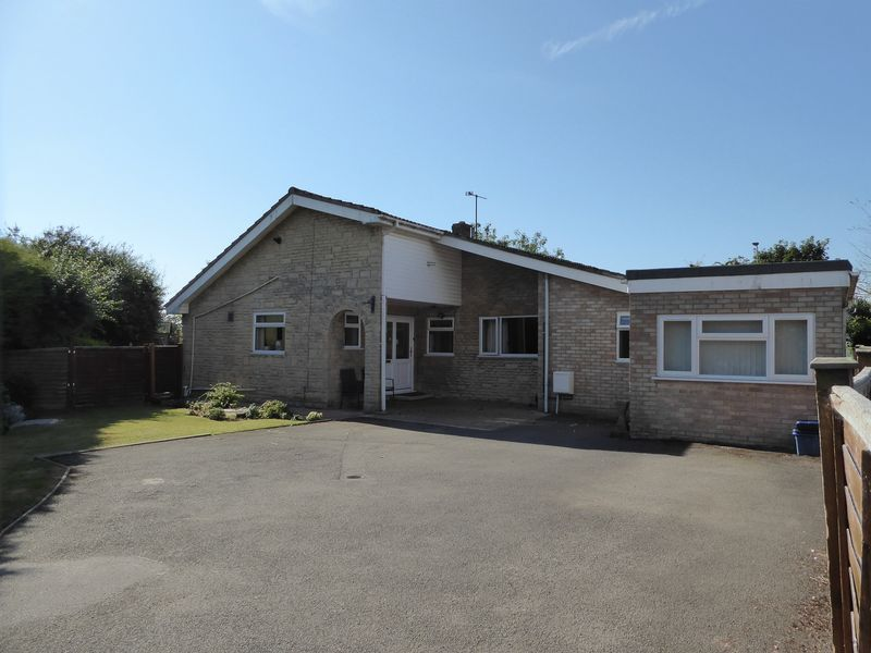 3 Bedrooms Property for sale in Tubb Close, Bicester