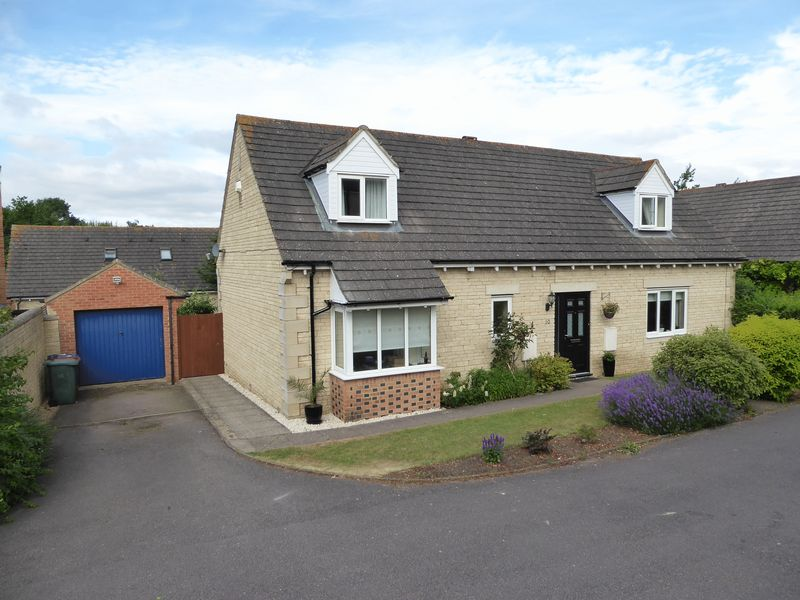 4 Bedrooms Property for sale in Sorrel Mead, Bicester
