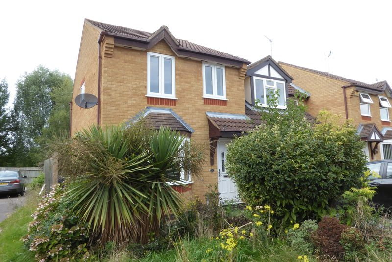 3 Bedrooms Property for sale in Sandpiper Close, Bicester