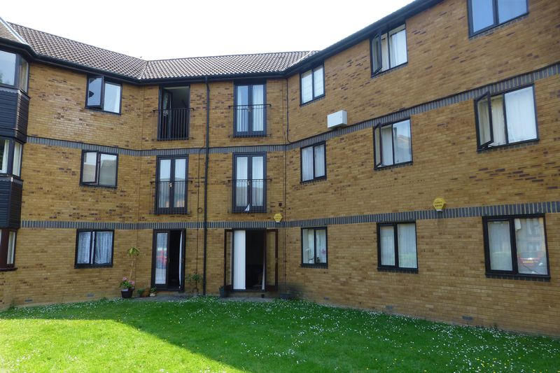 1 Bedroom Property for sale in Heron Drive, Bicester