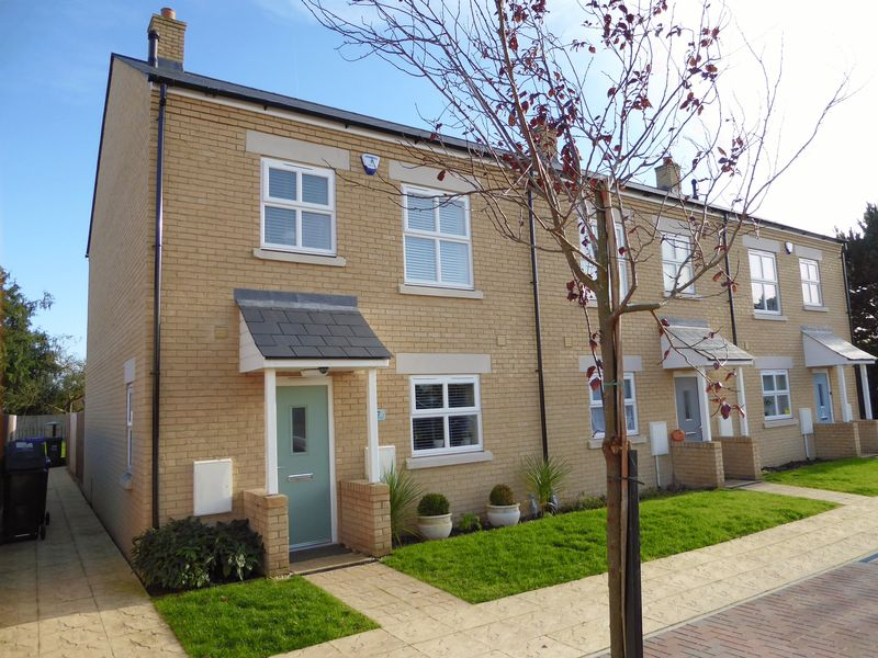3 Bedrooms Property for sale in Ashdene Road, Bicester