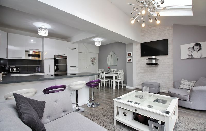Kitchen / Dining & Family Room