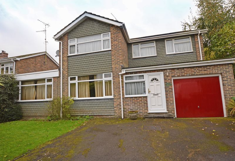 4 Bedrooms Property for sale in Complins Holybourne, Alton