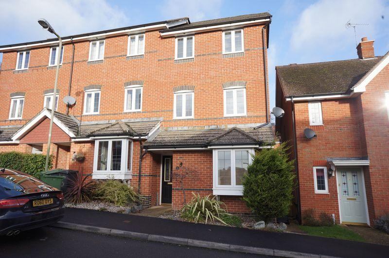 4 Bedrooms Property for rent in Burnham Road, Alton