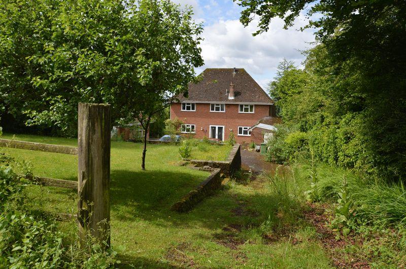 4 Bedrooms Property for sale in Gravel Lane Four Marks, Alton