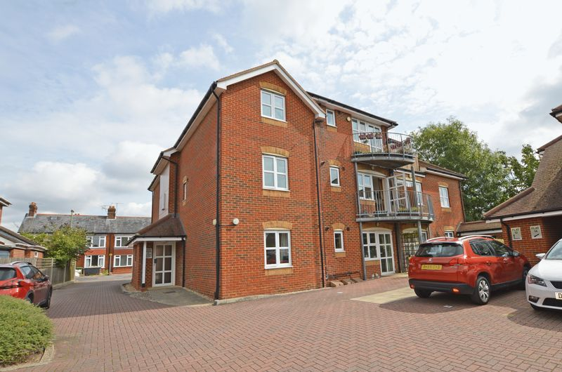 1 Bedroom Property for sale in Ackender Road, Alton