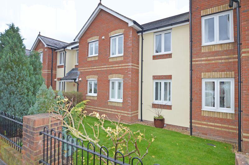 1 Bedroom Property for sale in Ackender Road, Alton