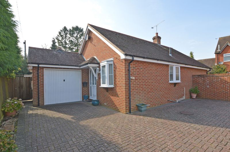 2 Bedrooms Property for sale in Inhams Road Holybourne, Alton