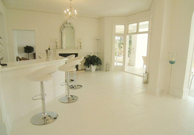 The White Villa