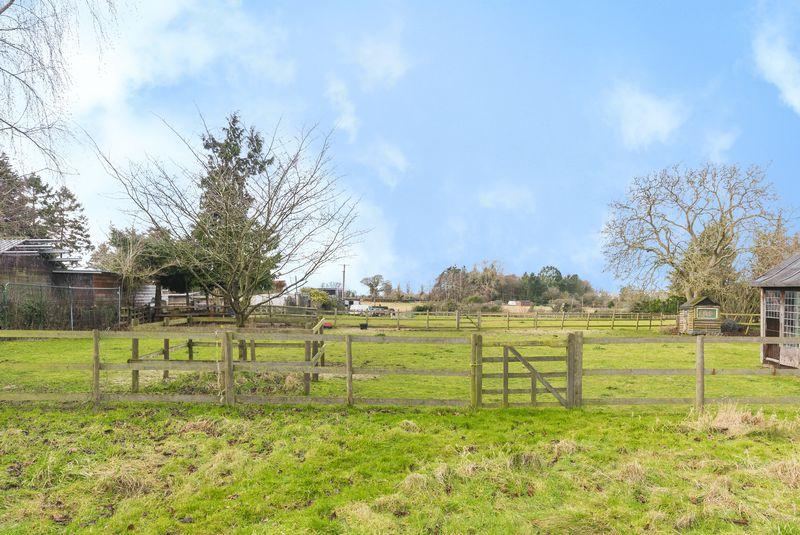 Woodperry Road, Beckley