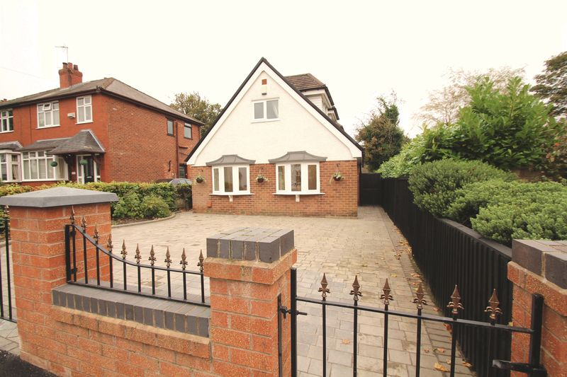 4 Bedrooms Property for sale in Greave Romiley, Stockport