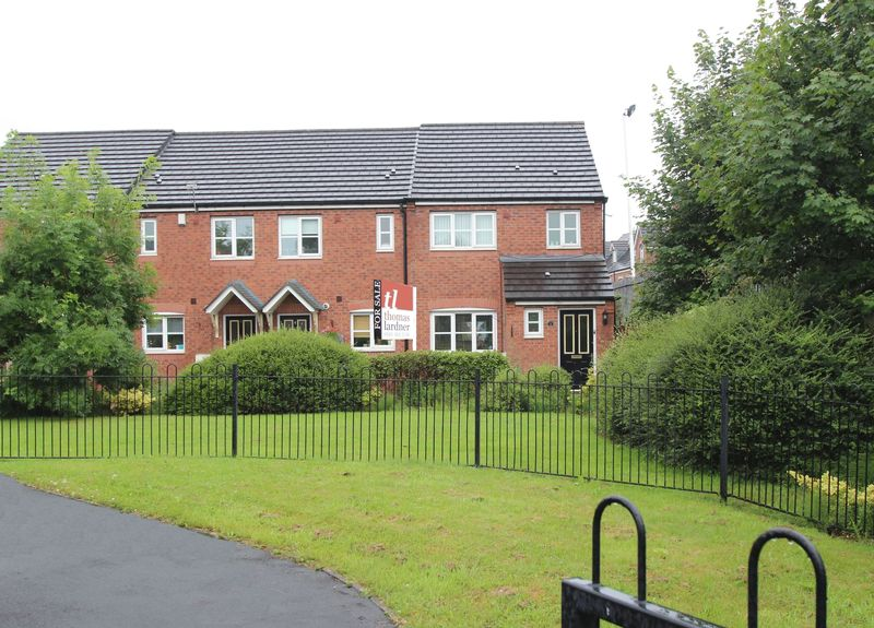 3 Bedrooms Property for sale in Kennett Drive Bredbury, STOCKPORT