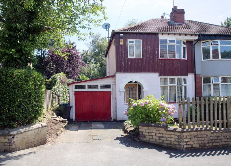 3 Bedrooms Property for sale in The Crescent Bredbury, Stockport