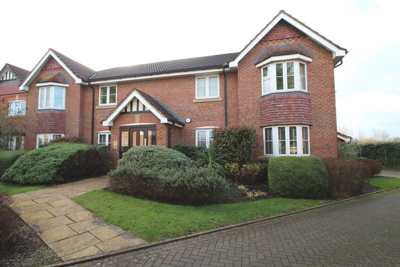 2 Bedrooms Property for sale in Bloomfield Close Cheadle Hulme, Cheadle
