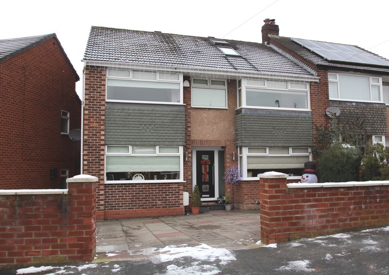 4 Bedrooms Property for sale in Oxford Drive Woodley, Stockport
