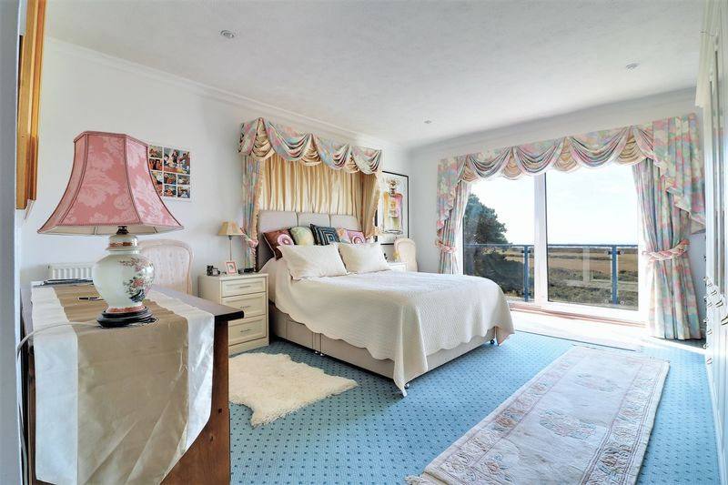 390 Sea Front