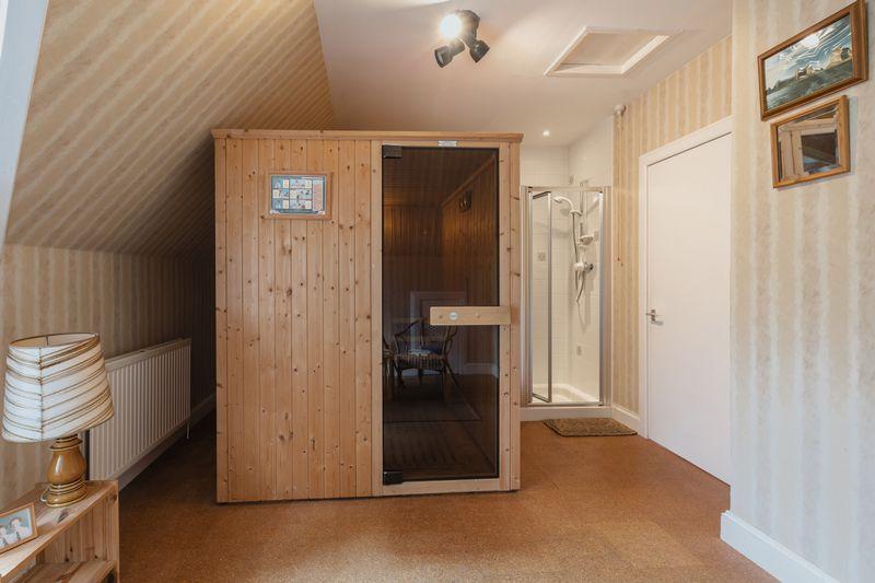 Sauna / bedroom 6