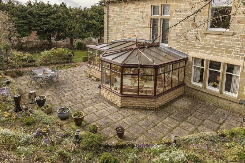 Conservatory & patio