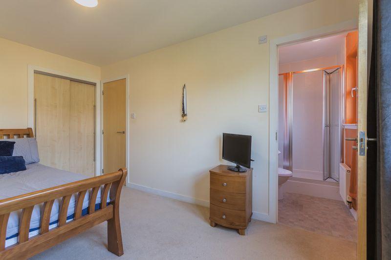 Principal bedroom & en-suite