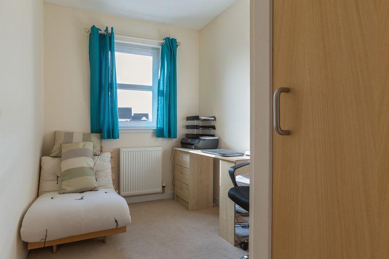 Bedroom/study