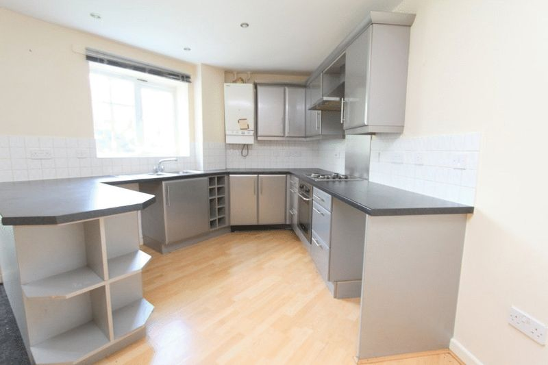 2 Bedrooms Property for sale in Madison Avenue Brierley Hill, Dudley
