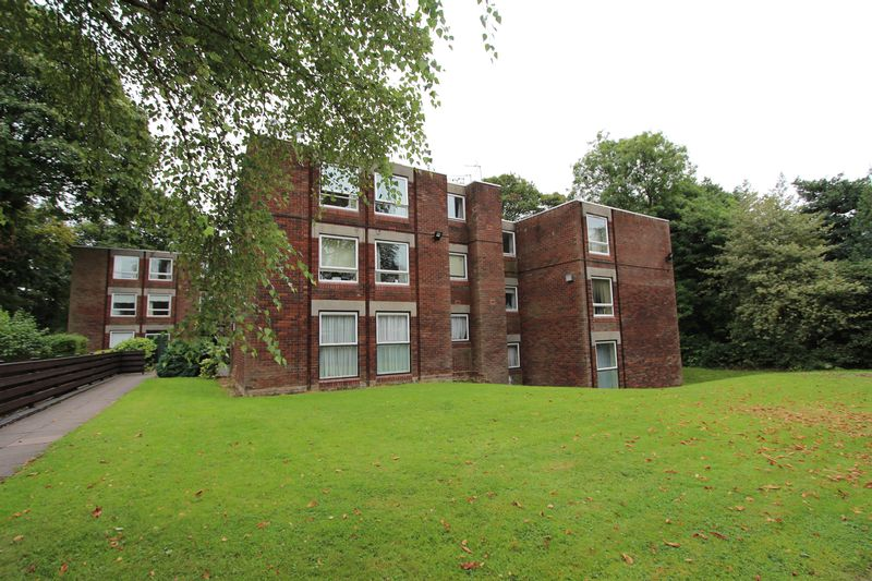 2 Bedrooms Property for sale in Beech Court, Walsall