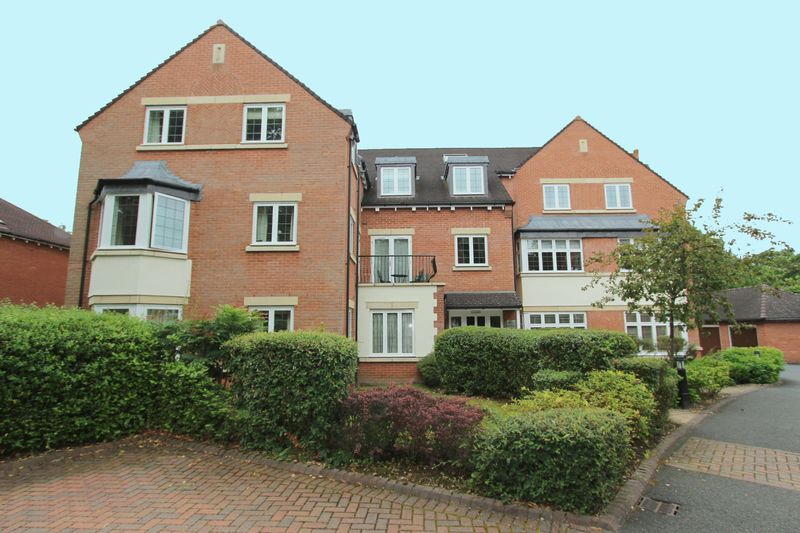 3 Bedrooms Property for sale in Four Oaks Road, Sutton Coldfield