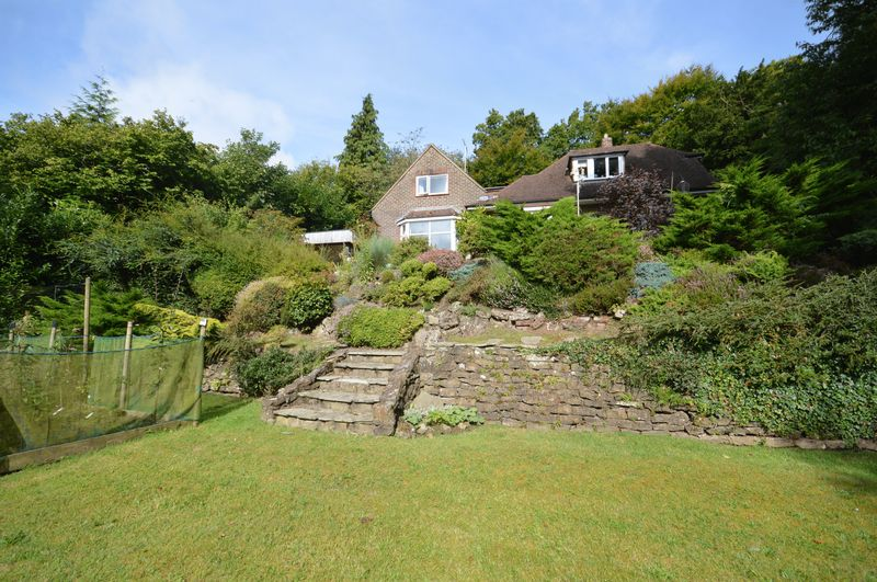 3 Bedrooms Property for sale in Portsmouth Road, Hindhead
