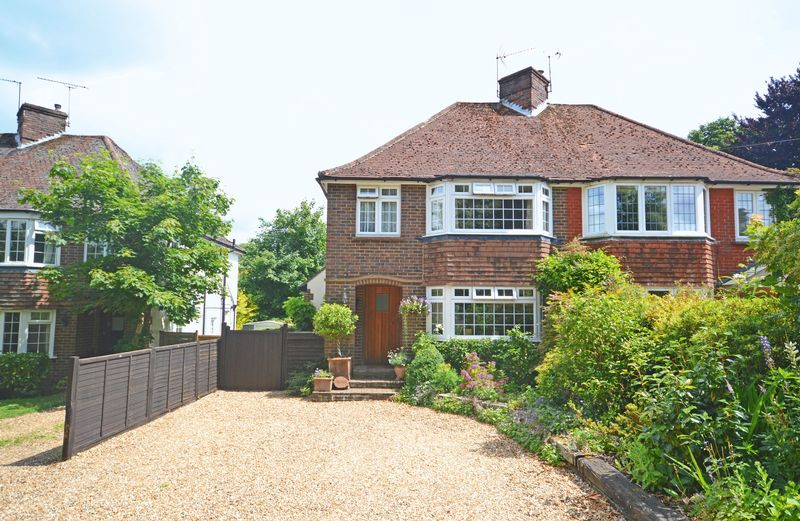 3 Bedrooms Property for sale in Whitmore Vale Road Grayshott, Hindhead