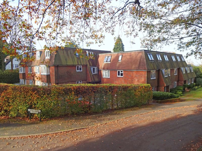 1 Bedroom Property for sale in Wood Road, Hindhead