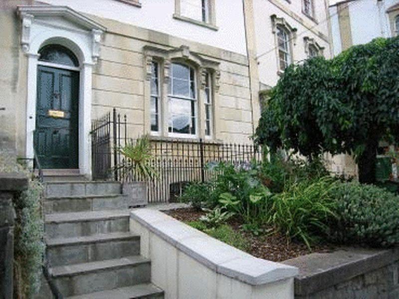 11 Camden Terrace