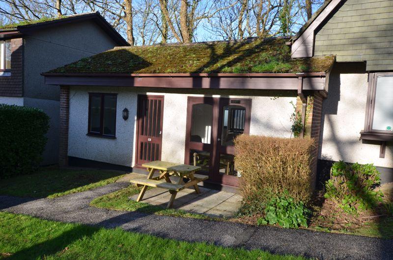 85 Strawberry Hill, Tolroy Manor