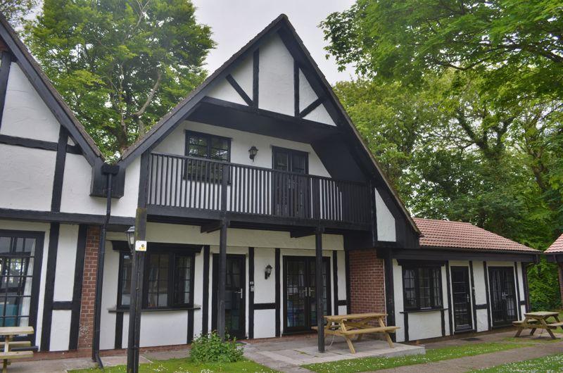 40 Tudor Court, Tolroy Manor