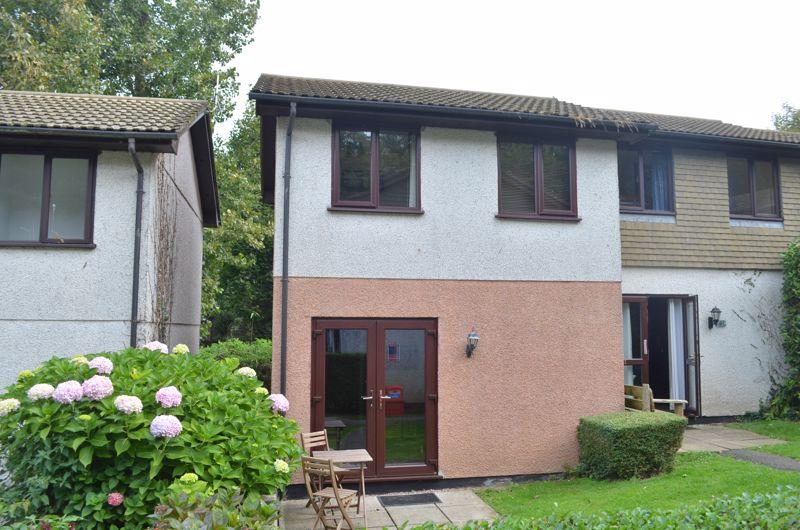 Strawberry Hill Tolroy Manor